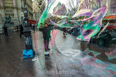 The bubble maker, Paris