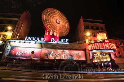 Moulin Rouge bustling at night