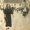 Stefania Ciesielska z domu Iwasiuk  przed kościołem św. Stanisława.