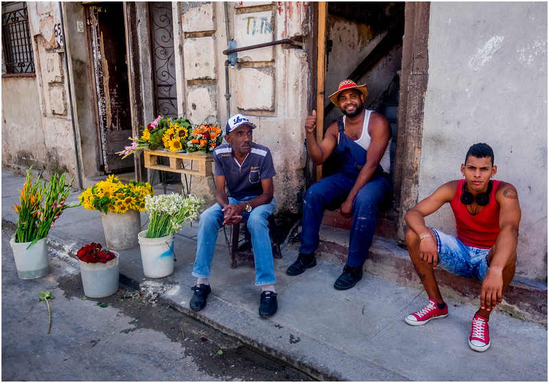 41 Cuba Havana Centro Havana Flower Seller 6 March 2017