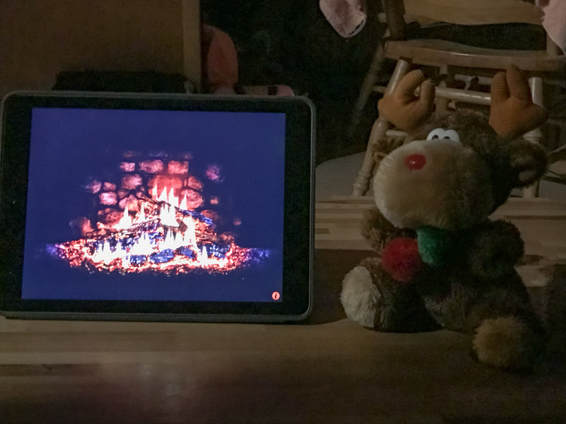 In our cozy cabin, all that was missing was the warm atmosphere of the hearth. Chris Moose headed to the app store and downloaded an easy solution.