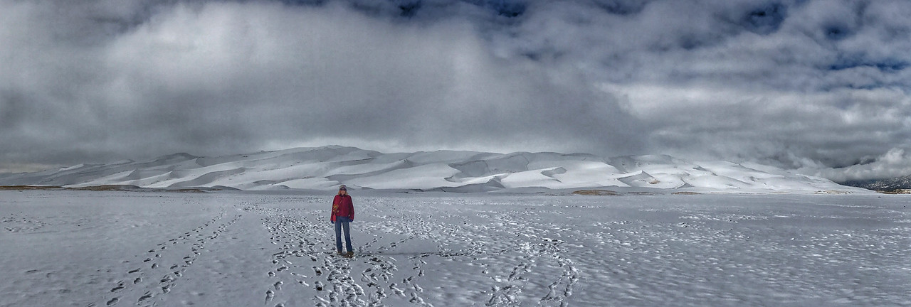 A foray across a vast expanse to endless dunes. A study in whites.