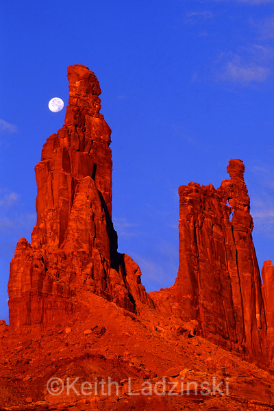monster tower, canyon lands nat park