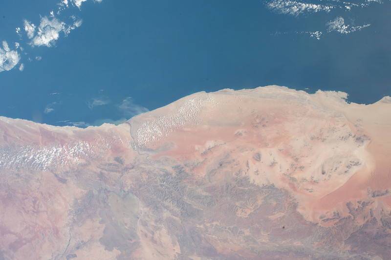 iss055e064118