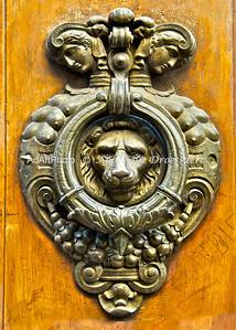 Doorknocker found on Palazzo Magnani Feroni