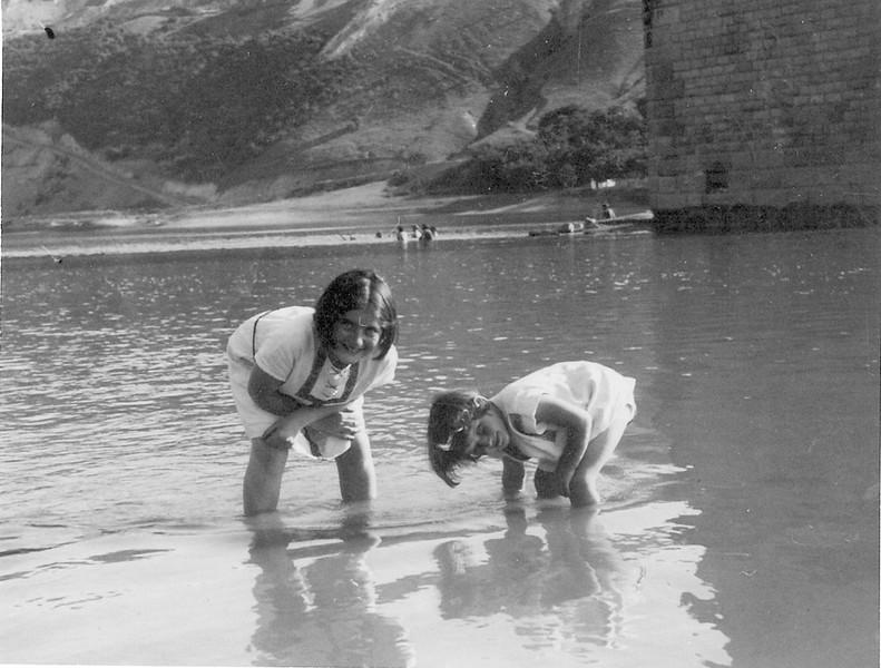 Zalishchyky, Dnister. 1935. Renia and Ariana ( Elizabeth)  Spiegel