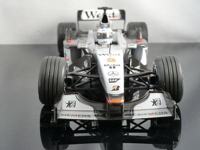 Modellauto McLaren Mercedes MP4-16 Mika Hakkinen (1:18, Minichamps)