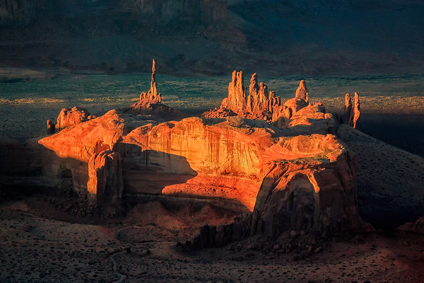 The Totem Pole Sunset, Monument Valley
