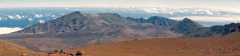 crater pano 3.jpg