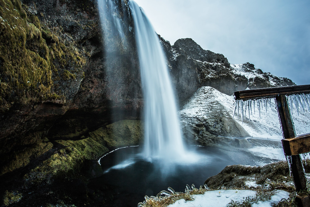 Icy Seljalandsfoss