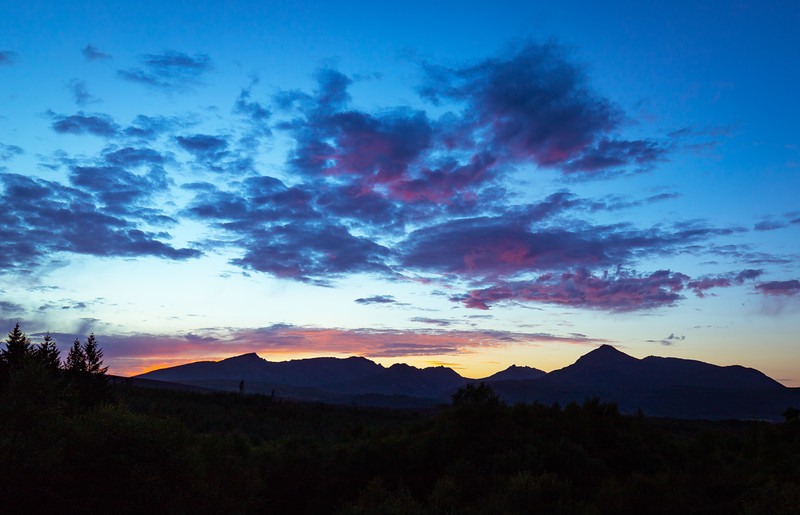 Another stunning sunset on Arran tonight - classic view looking towards the Beinn Nuis to Goatfell skyline (tripod required, not least to keep camera steady whilst fending off the midges).