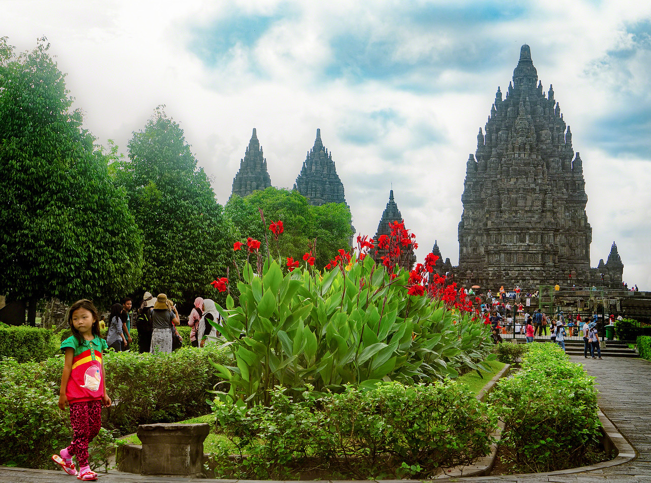 Approach to Prambanan temples in Java Indonesia with Intentionally Lost and Kevin Wenning #intentionallylost