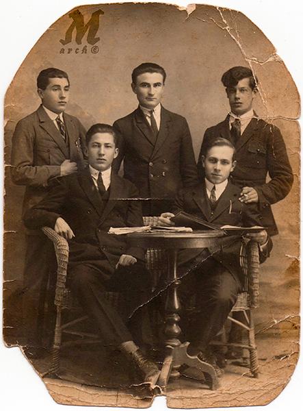 Компанія зі Старих Заліщик. 1930-ті роки