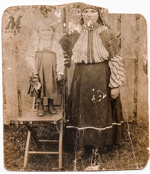 Калина Романко з дочкою Стефою (після одруження буде Палагнюк). Заліщики, 1917