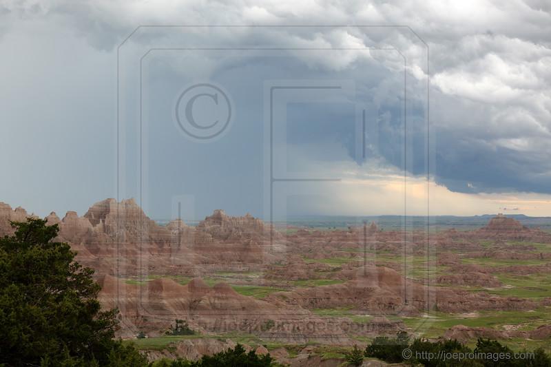 Badlands Rock Formations & Grasslands