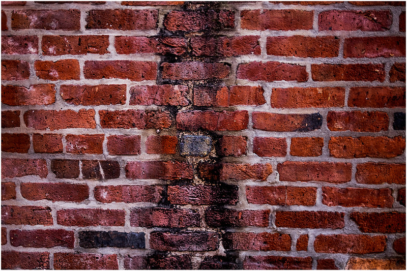 Troy NY Back Alley 34 Brick Stripe January 2017