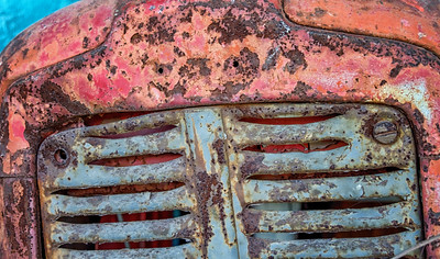 Old Tractor Grill