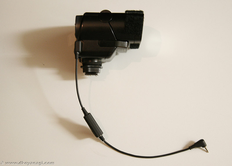 To use your new extension cord:<br /> <br /> 1. Attach the original Sony extension cord to your flash.