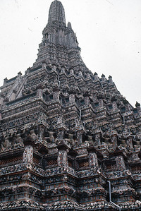 Wat Aroon (Temple of Dawn) Bangkok