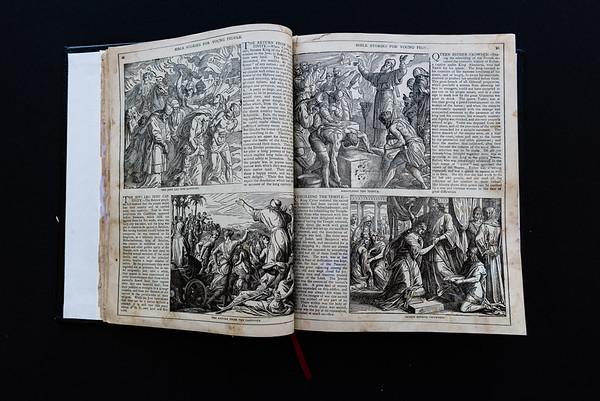 151018Linda's_Bible087