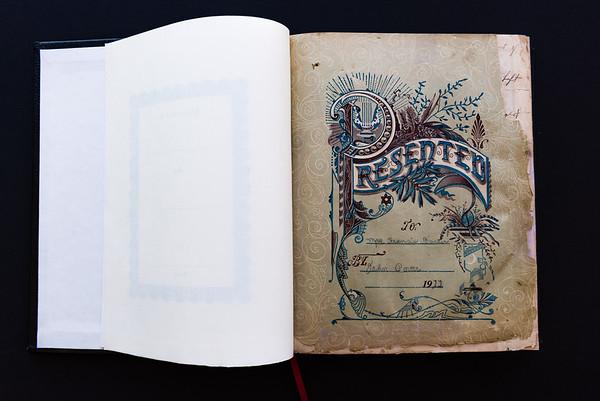 151018Linda's_Bible026