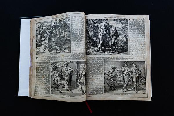 151018Linda's_Bible082