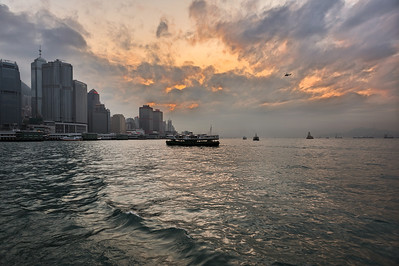 Victoria Harbour, Hong Kong, 2010-04-08 18:18