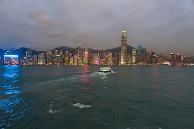 Victoria Harbour, Hong Kong, 2010-04-08 18:54
