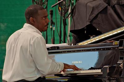 SJ Jazz '10-Day 2 Nnenna Freelon 025