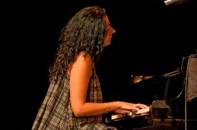 SJ Jazz '10-Day 2 Amina Figarova 001