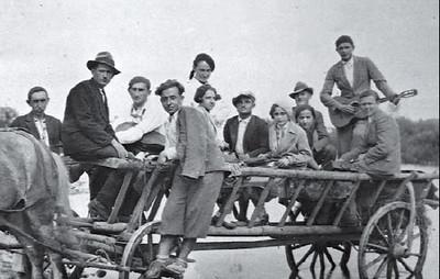 122. Мандрівний театр Юрія Кононіва в дорозі, 1935 рік