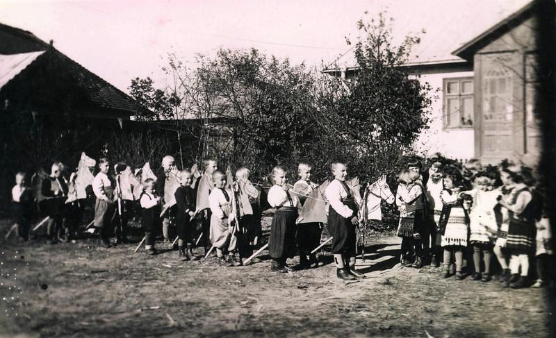 286. Українська захоронка, 1943 рік