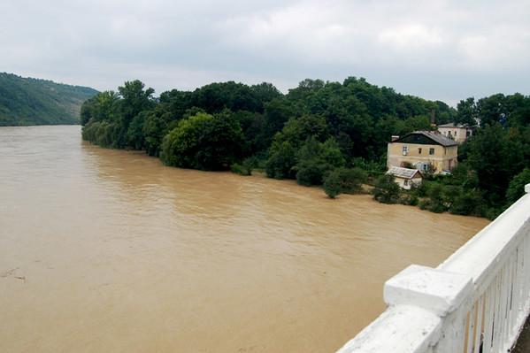 39. Повінь 2008 року. Вид з моста.