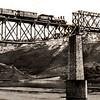 686. Залізничний міст