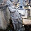418.  Сумують ангели на цвинтарі в Заліщиках