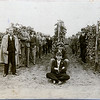 8. Фотосесія на винограднику, крайній зліва Е. Іванищук, 1931 рік
