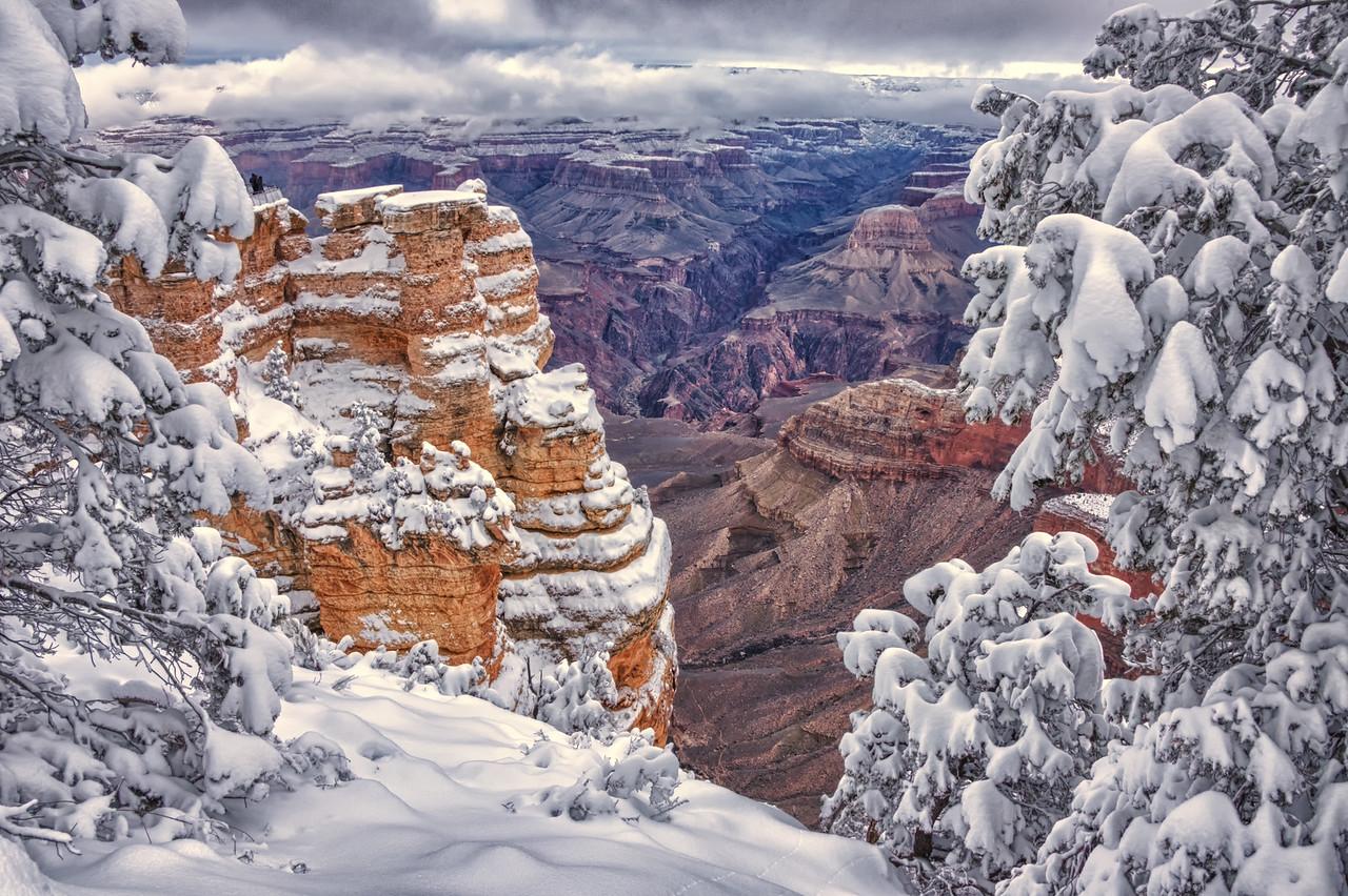 Patient dawn reveals<br /> Snow mantled rim wonderland <br /> Secret deep promises