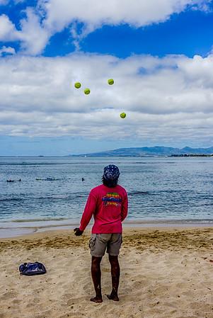 Waikiki Juggler