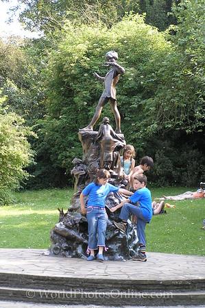 London - Hyde Park - Peter Pan Statue