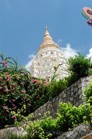 Kek LoK Si Temple - Ten Thousand Buddhas Pagoda 1