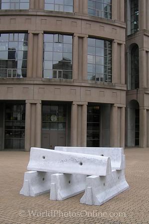 BC - Vancouver - Public Library - Sculpture