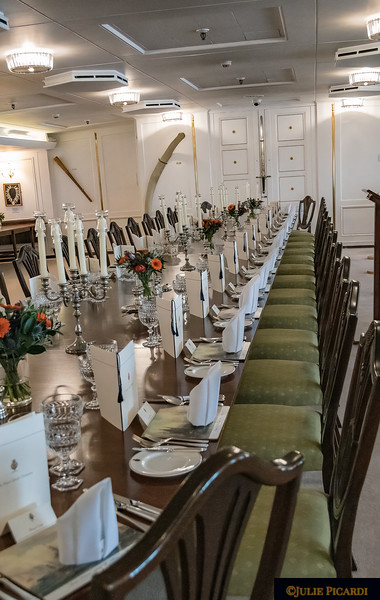 The State Dining Room  hosted such notable figures as Winston Churchill, Nelson Mandella, Margaret Thatcher, Ronald Reagan and Rajiv Gandhi.  Along the walls one may see on display the various gifts  given to the queen during her visits.