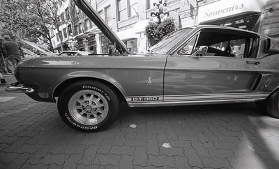 Mustang G.T. 350 Voigtlander R3M, Fuji Neopan 400