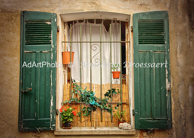 St Tropez, Window and Shutters, october 2012