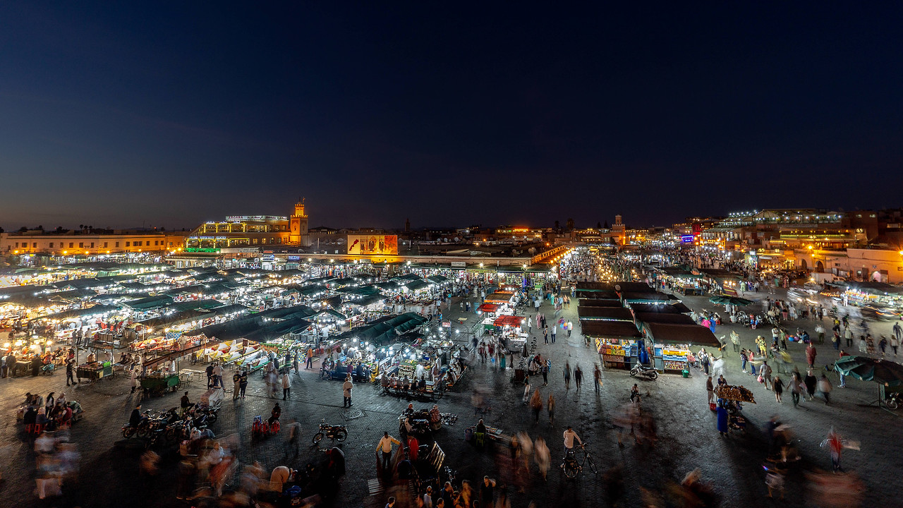 Marrakech Morocco medina at night. Photography workshop with Intentionally Lost and Kevin Wenning #intentionallylost