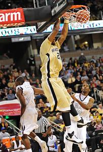Johnson dunk 01