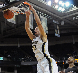 Carson Desrosiers dunk