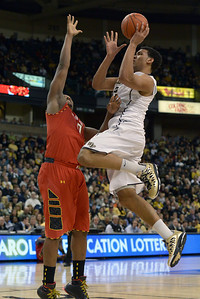 Devin Thomas shot in lane