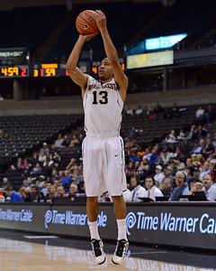Coron Williams 3 point shot 02