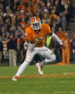 Clemson Tigers quarterback Tajh Boyd (10)